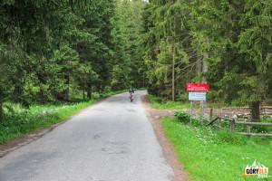 Początek TPN w Dolinie Chochołowskiej