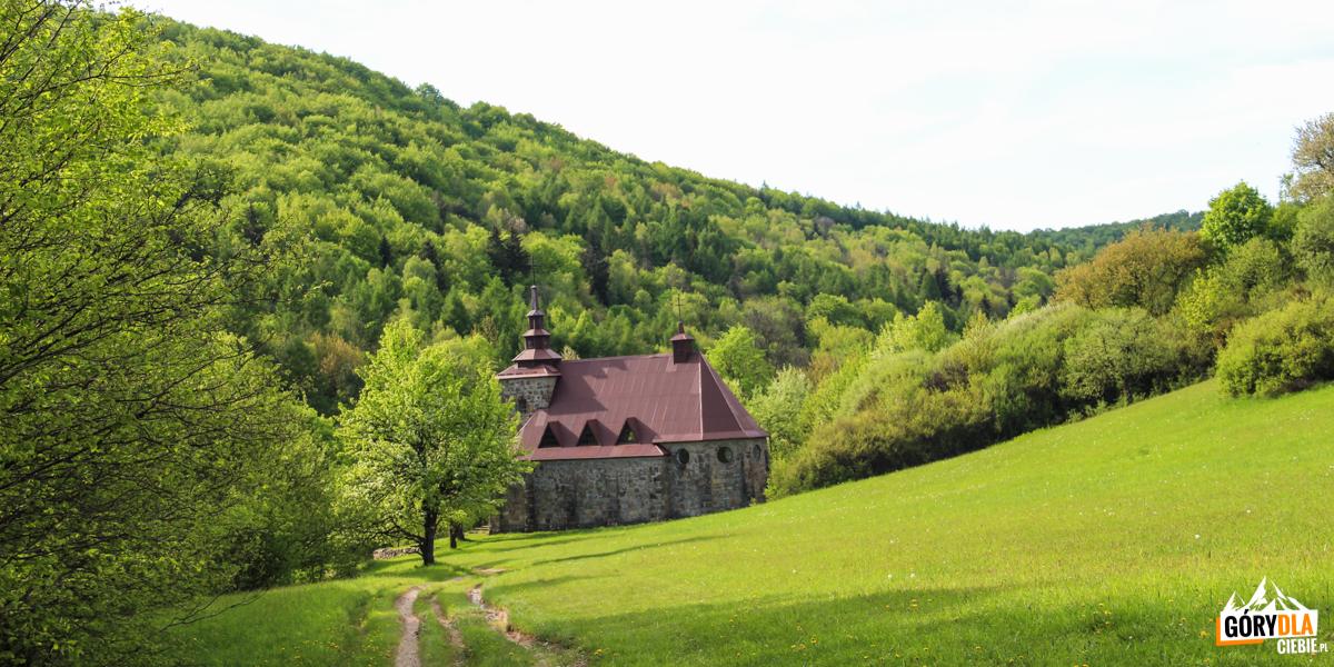 Kościółek św.Jana zDukli iśw. Huberta wHucie Polańskiej