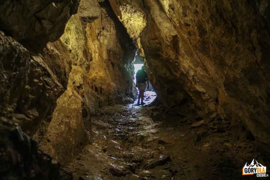 Wyjście z Jaskini Mroźnej
