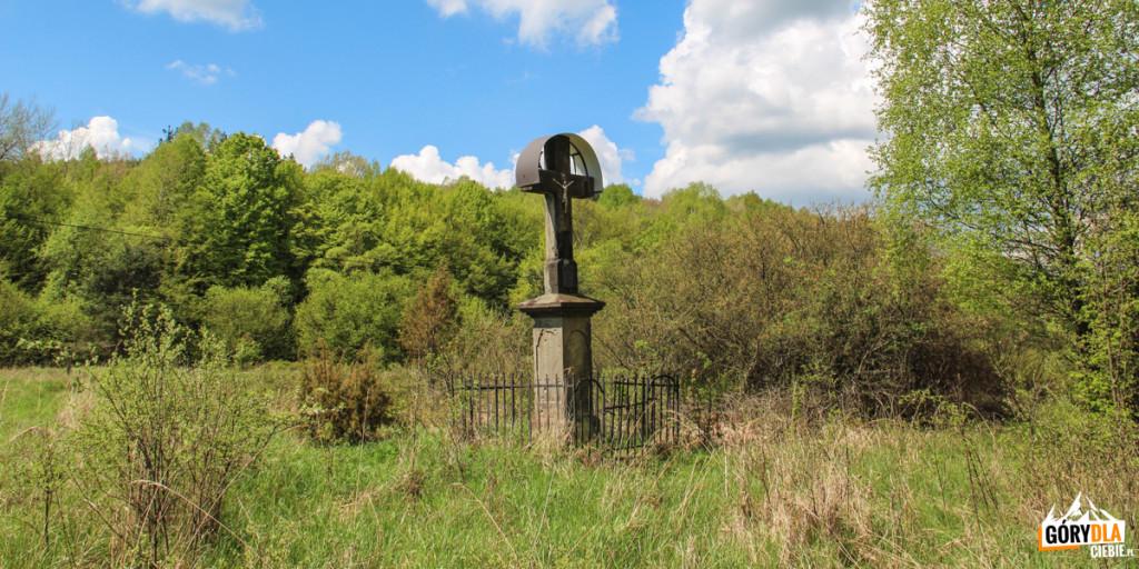 Łemkowski krzyż wnieistniejącej już dzisiaj wsi Wilsznia