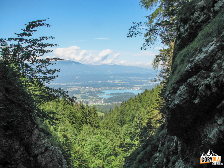 Widok na jezioro Faaker See z ferraty Rotschitza