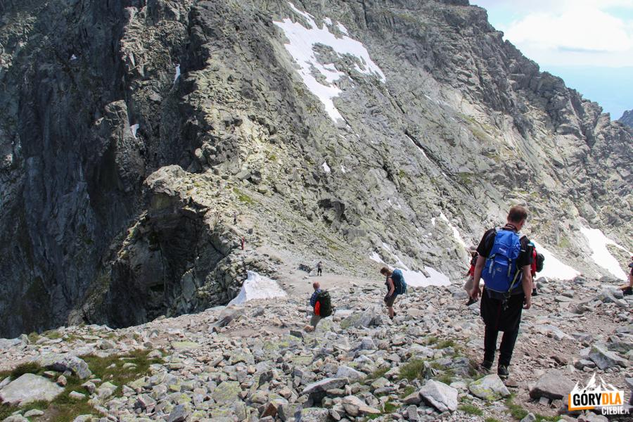 Zejście na Przełęcz Waga (słow. Váha 2 337 m)