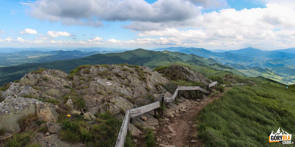 Skalne wychodnie naszczycie Rozsypańca (1280 m)