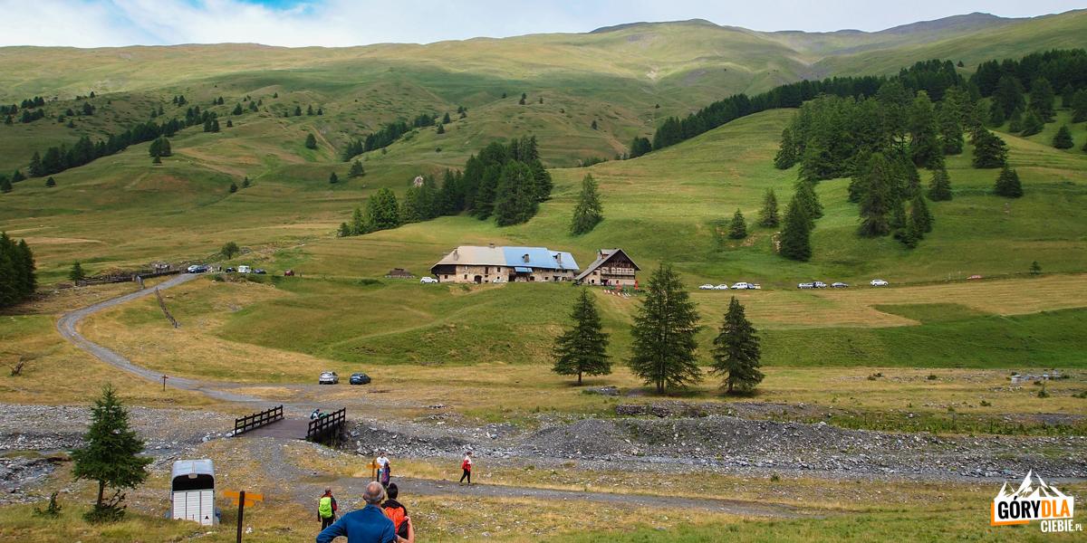 Zejście nad jezioro Lac des Cordes (2448 m)