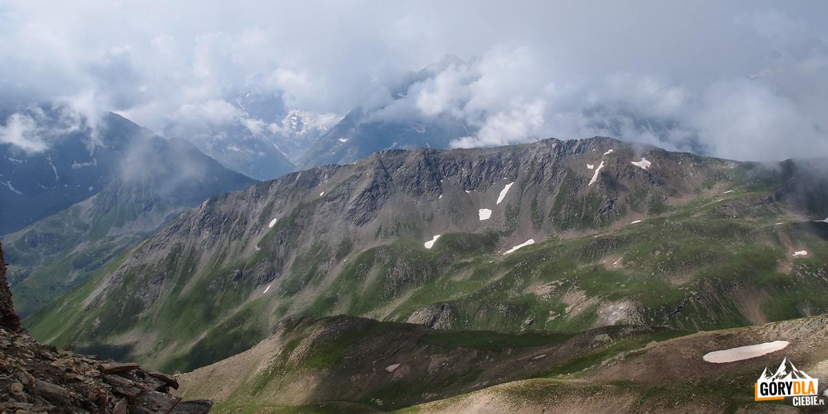 Panorama zeszczytu Pic (2826 m)