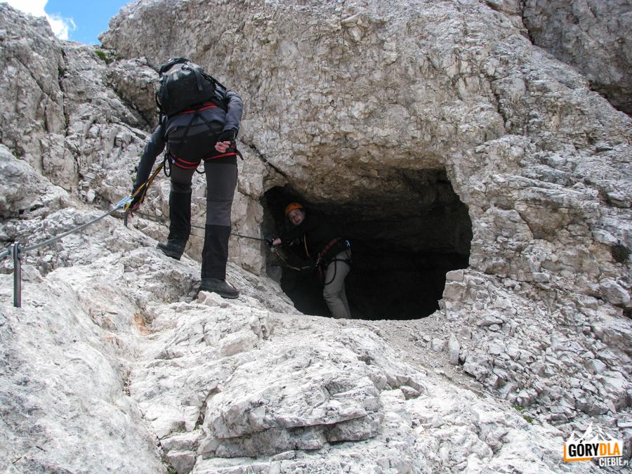 Jeden z tuneli z I wojny światowej - w drodze na Cristallino
