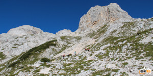 Podejście trasą turystyczną do schroniska Triglavski dom na Kredarici Triglav
