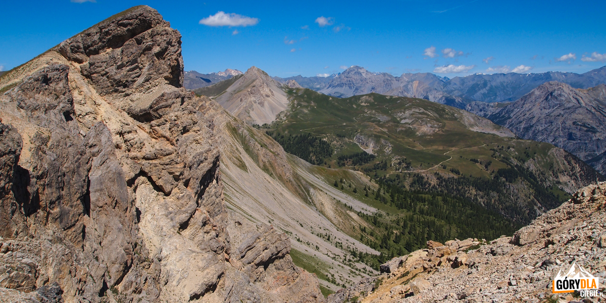 Widoki z grani pod szczytem Grande Peyrolle (2645 m)