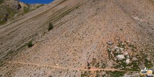 Zejście z grani Peyrolle do miejsca zwanego Croix-du-Pied