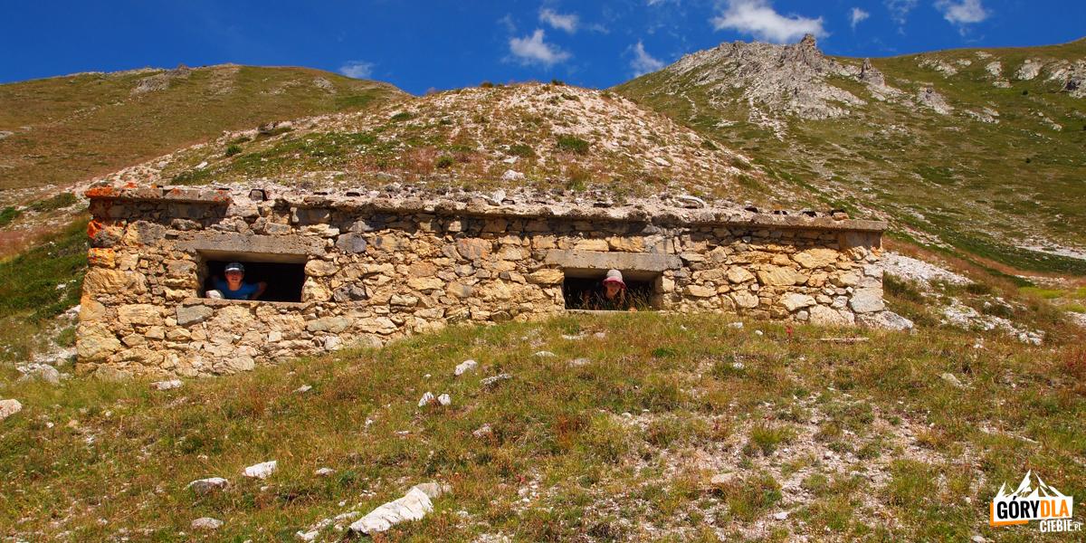 Pozostałości po dawnych fortyfikacjach