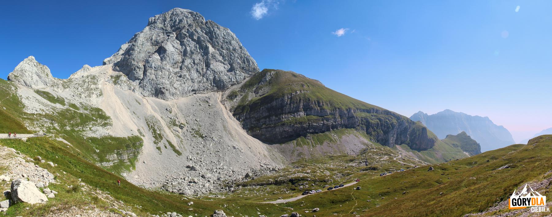 Mangart 2679 m widziany z Mangartskiej Przełęczy (2055 m)