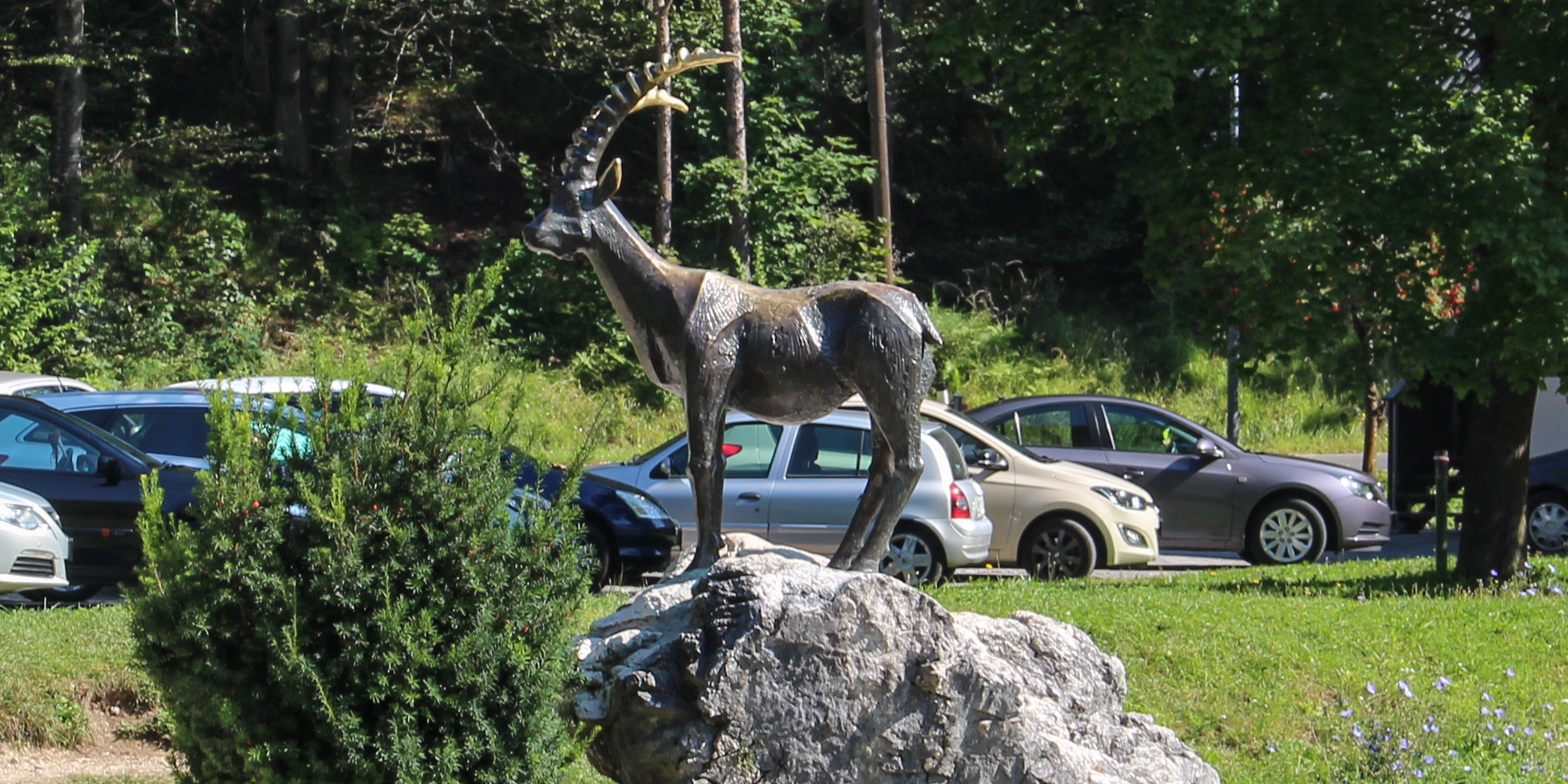 pomnik Zlatoroga - symbol słoweńskich Alp Julijskich