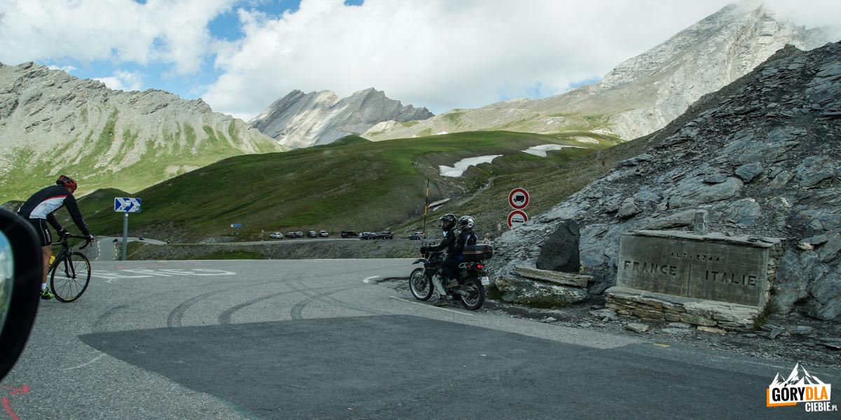 Przełęcz Col Agnel (2744 m) na granicy Francusko-Włoskiej
