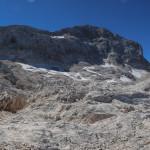 Triglaw (2864 m) - pod jego ścianą widoczne pozostałości lodowca