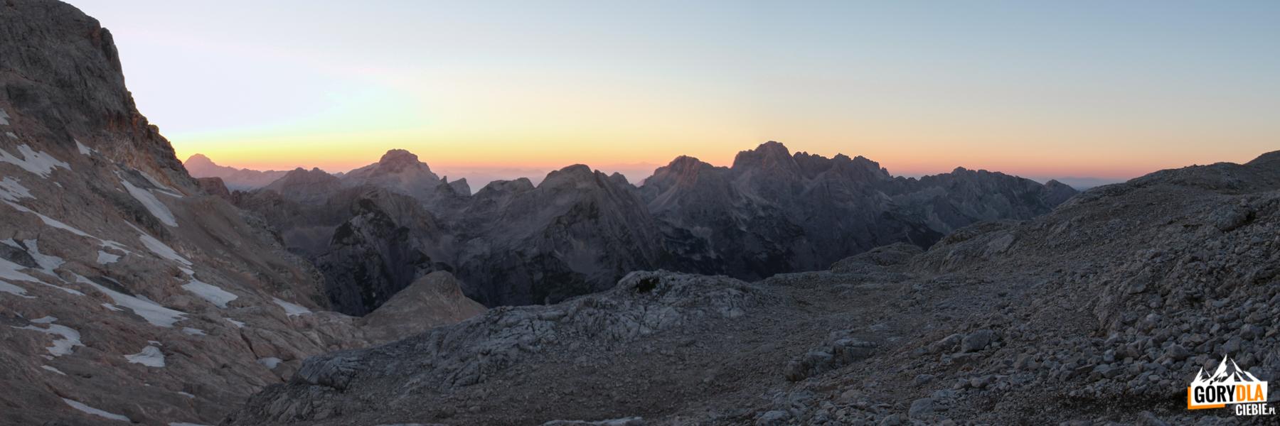 Zachód słońca w Alpach Julijskich