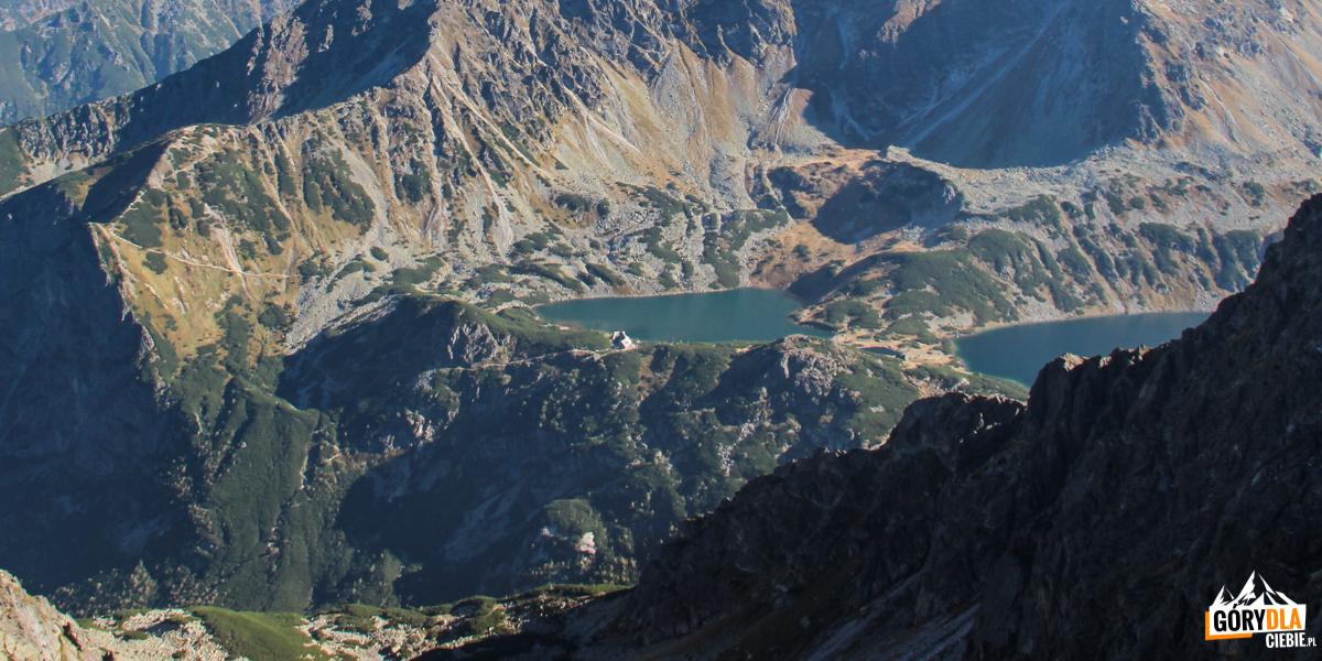 Widok ze Skrajnego Granata (2225 m) na Przedni Staw w Dolinie Pięciu Stawów Polskich
