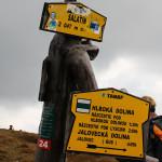 Szczyt Małego Salatyna - zielony szlak zbiega do Głębokiej Doliny (Hlaboka dolina)