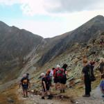 Spalona Przełęcz (2055 m) - w lewo zbiega nieznakowana ścieżka omijająca Pachoł (2167 m)