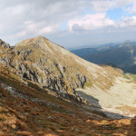 Widok z Banikowskiej Przełęczy (2040 m) na Dolinę Spaloną