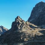 Mnich widziany przy zejściu ze Szpiglasowej Przełęczy