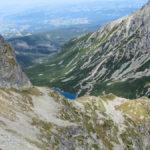 Czarny Staw Gąsienicowy widziany z podejścia na Zawrat (2159 m)