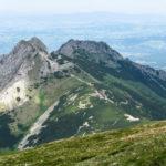 Giewont widziany (od tyłu) spod szczytu Małołączniaka (2096 m)