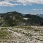 Widok ze szczytu Małołączniaka (2096 m) na Krzesanicę (2122 m)