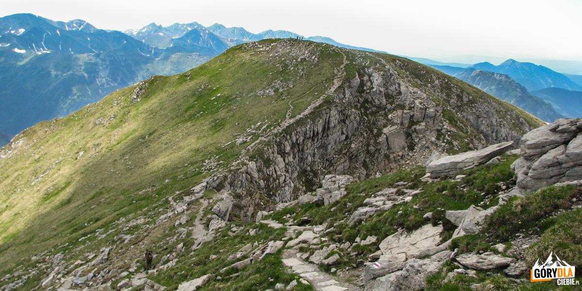 Mułowa Przełęcz (2067 m) i Ciemniak (2096 m)