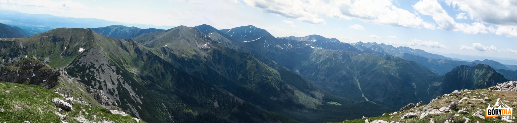 Panorama Tatr Zachodnich z Ciemniaka (2096 m)