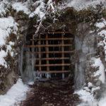 Sztolnia (kopali uranu) w Dolinie Białego