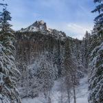 Sarnia Skała (1377 m) widziana z Polany Strążyskiej