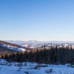 Panorama Baraniej Góry (1220 m) i Skrzycznego (1257 m) z grani koło Krawcowej Polany