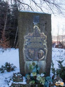 Pomnik Wdzięczności poświęcony św. Janowi Pawłowi II i Kardynałowi Wyszyńskiemu