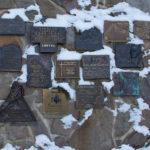 Wiktorówki - tablice pamiątkowe poświęcone taternikom, ratownikom górskim i innym, którzy zginęły w górach