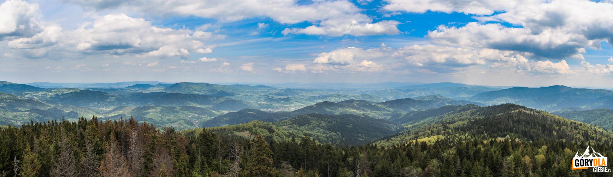 Panorama zwieży widokowej naszczycie Gorca (1228 m) - nawschód