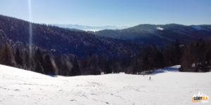 Zimowa panorama Tatr z polany Świnkówka
