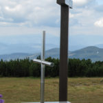 Krzyż i ołtarz polowy na szczycie Pilska (1557 m)