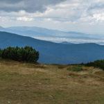 Widok ze szczytu Pilskoa (1557 m) na Romankę (1366 m), Skrzyczne (1257 m) i otoczenie Jeziora Żywieckiego