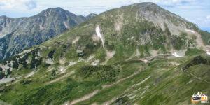 Raczkowa Czuba (2194 m) i Starorobociański Wierch (2176 m) widziana z podejścia na Błyszcz (2158 m) i Bystra (2248 m)