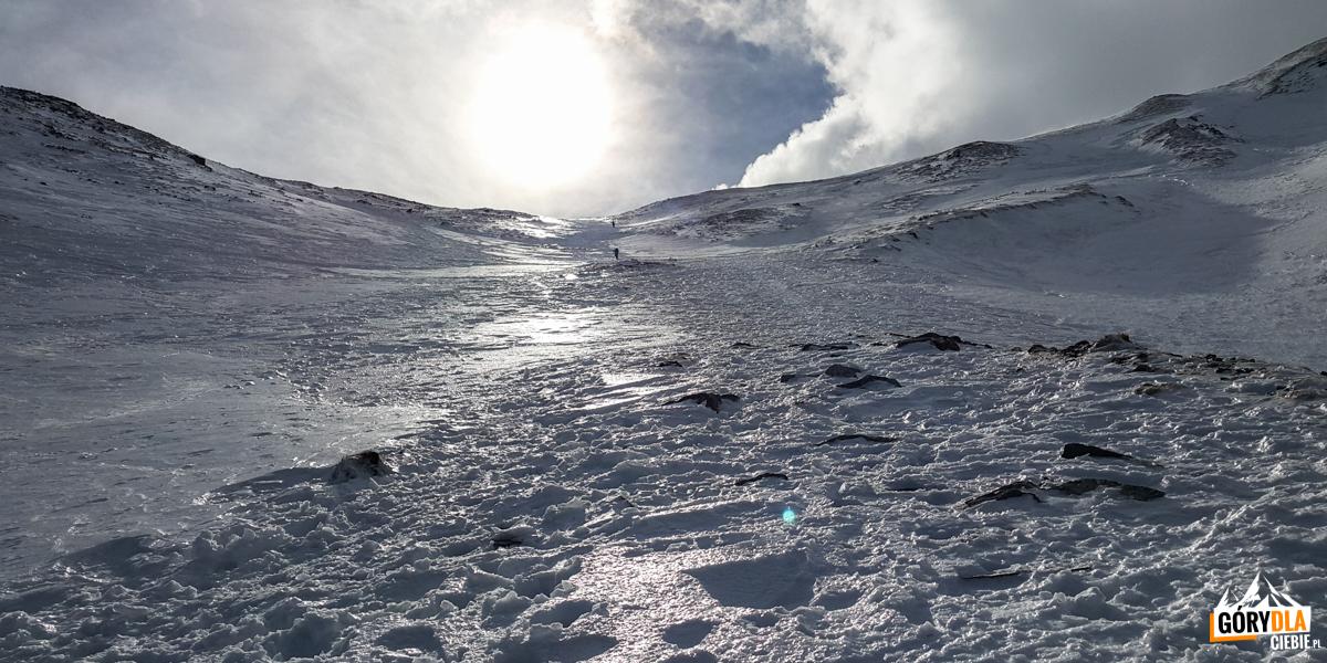 Ostre podejście na Przełęcz pod Kopą Kondracką