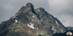 Rohacz Ostry (2088 m) i za nim Rohacz Płaczliwy (2125 m)