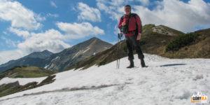 Pod szczytem Czubika (1846 m) nagrani Trzydniowiańskiego Wierchu (1758 m)