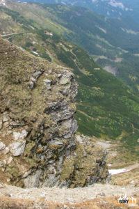 Podcięte zbocza Starorobociańskiego Wierchu przy zejściu na Siwą Przełęcz