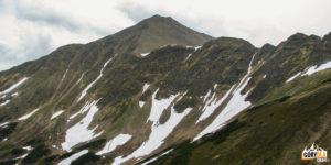 Widok z Siwej Przełęczy (1812 m) na Błyszcz (2158 m) i Bystrą (2248 m)
