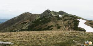 Widok z Siwej Przełęczy (1812 m) na grań Ornaku