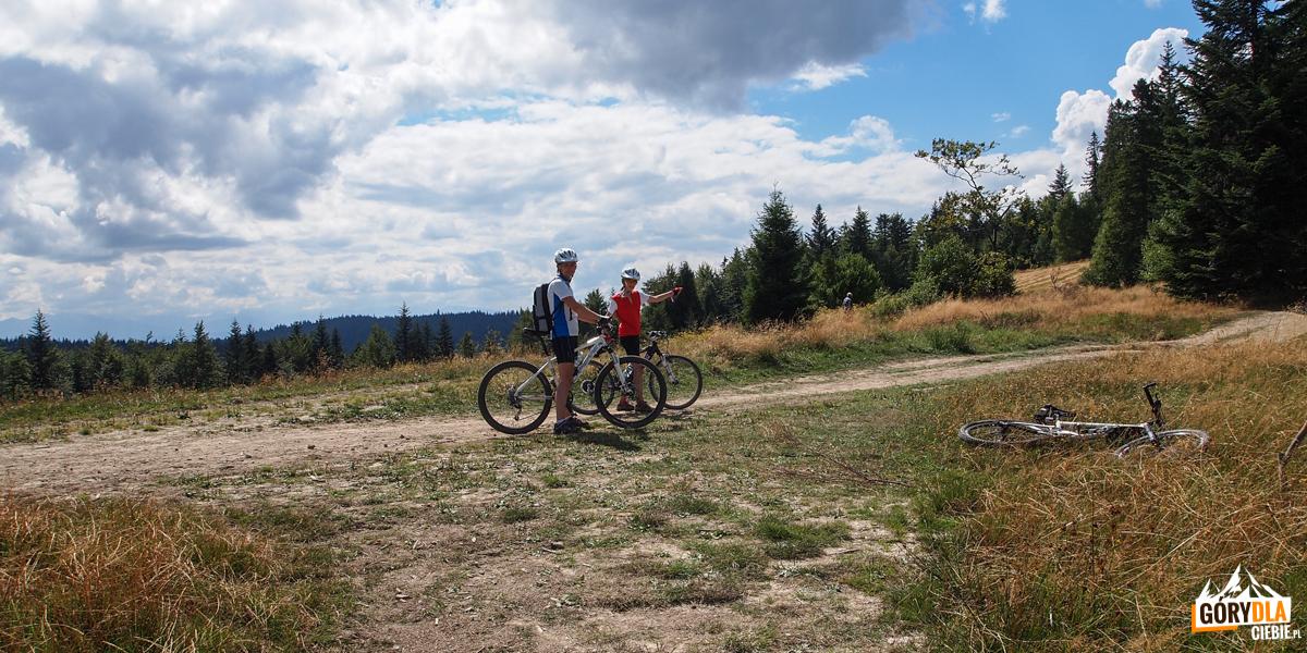 Zjazd czerwonym szlakiem naStare Wierchy
