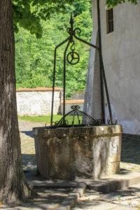 Studnia przy Czerwonym Klasztorze