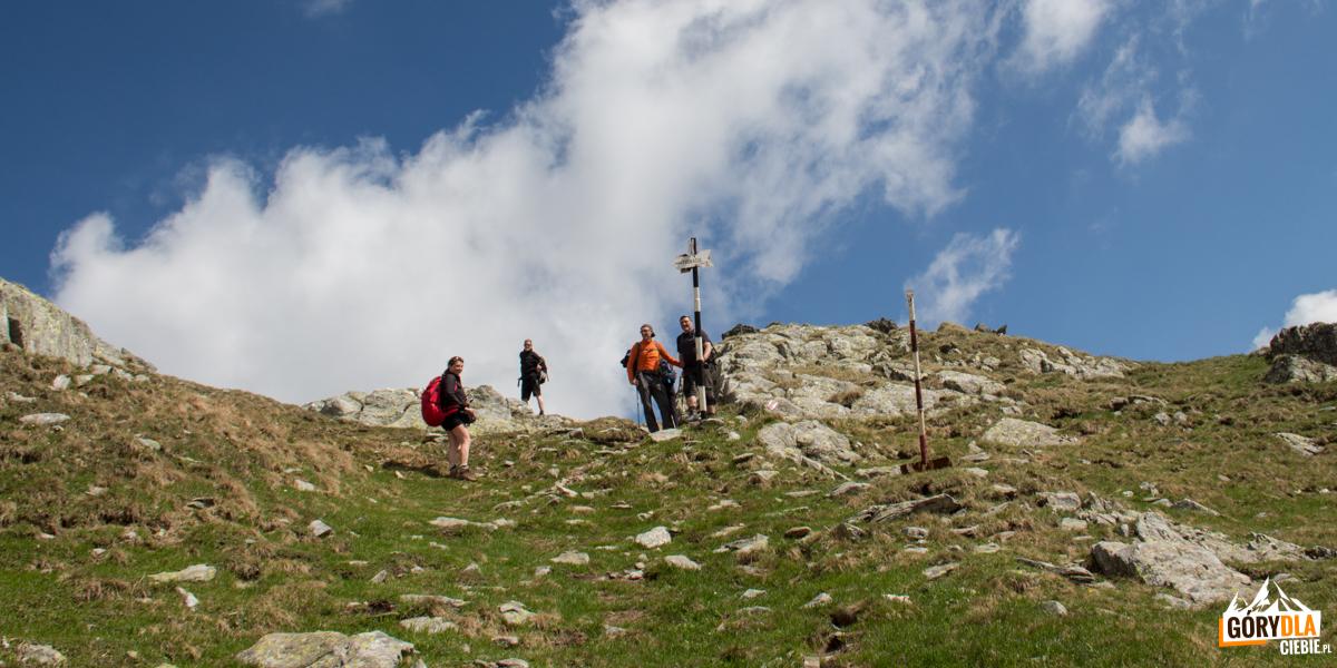 Podejście znad jeziorka na przełęcz Portița Viștei 2317 m