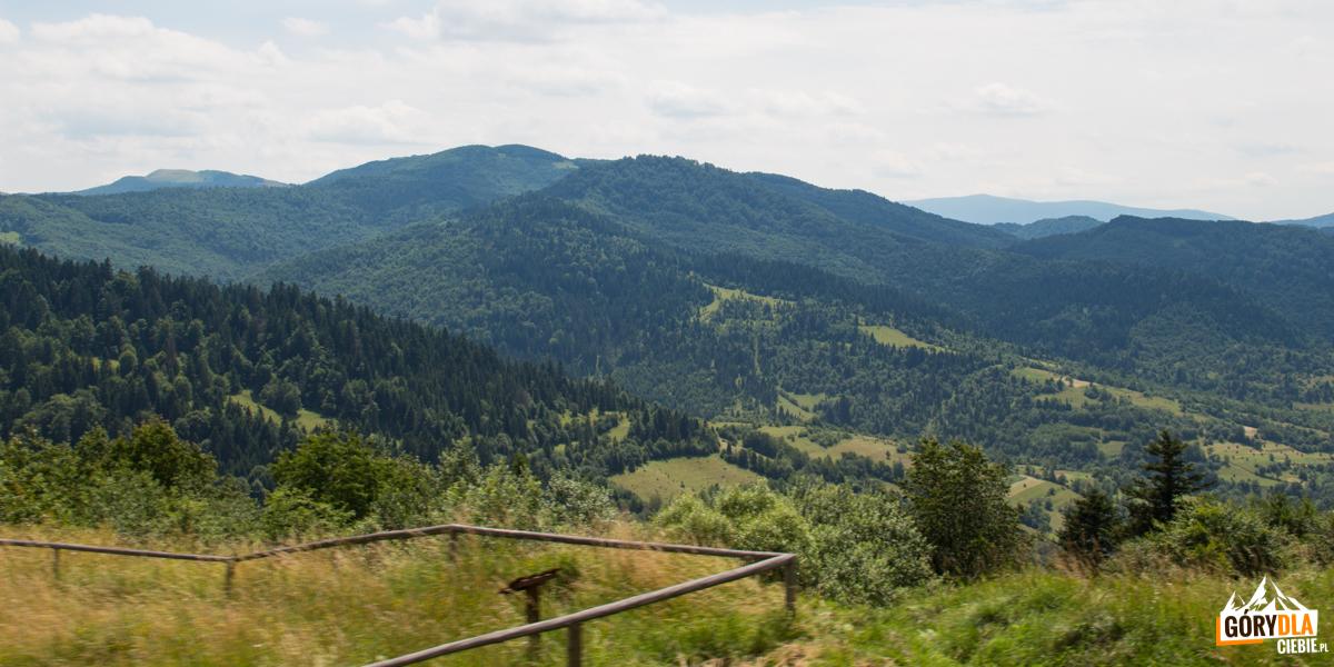 Panorama ztrasy Sianki-Wołosanka