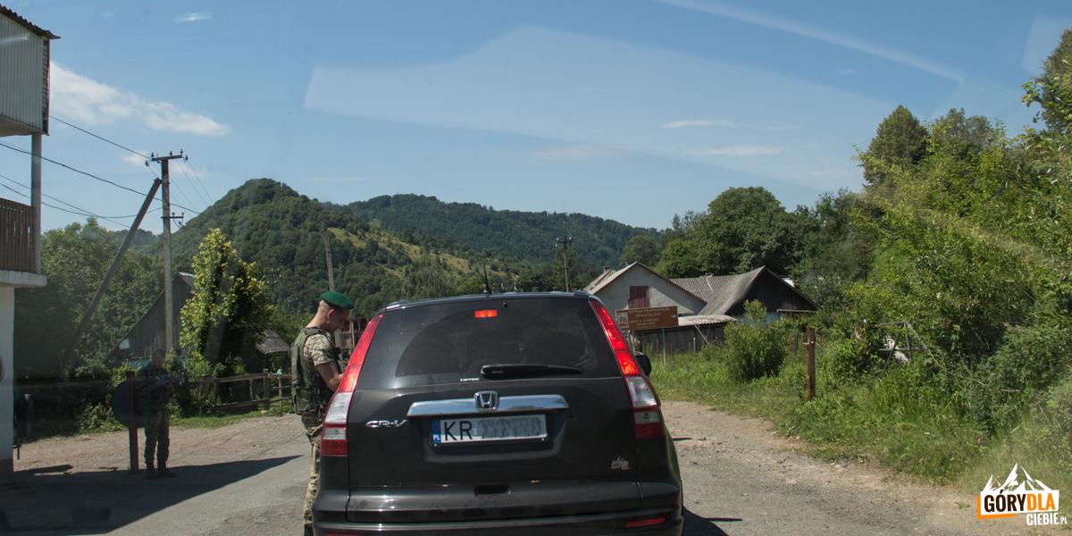 Kontrola drogowa natrasie Sianki - Wołosanka